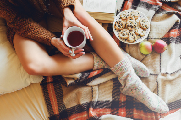 To me, fall is the perfect season to cozy up and read a book! I've come up with a list of three modern books for you to get lost in this fall.